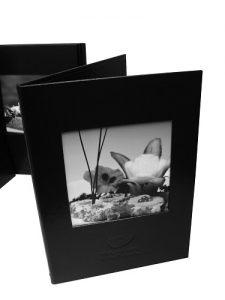 POrta cardapio em couro sinteticocom janela para fotos (2)